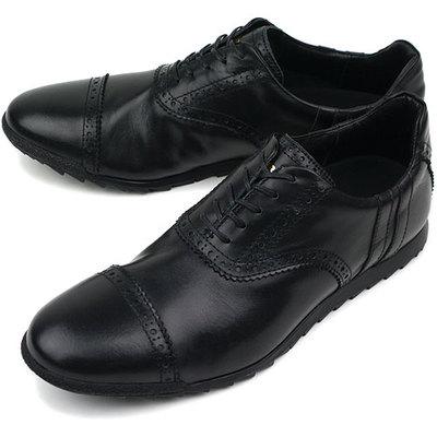 スニーカーだけど革靴に見える ...